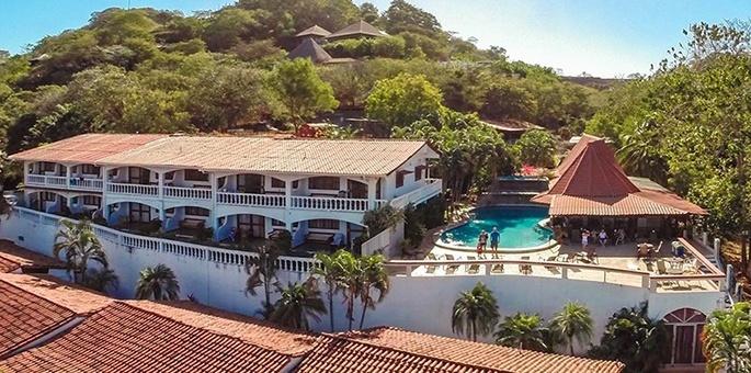 Tamarindo vista villas tamarindo costa rica hotel for Villas vista suites