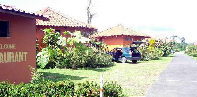 Villas vista arenal arenal costa rica hotel for Villas vista suites