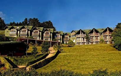 Set on a hillside overlooking Monteverde and beyond, El Establo Mountain Hotel is the largest hotel in town.