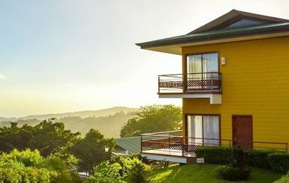 Sitting on a hillside overlooking the village of Santa Elena, the Ficus Hotel provides sweeping views of the cloud forest and rural Costa Rica.