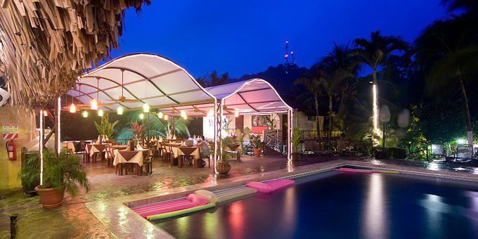 The European style Hotel Mimos is an affordable lodging option in Manuel Antonio. The hotel is a good choice for budget accommodations. Amenities of Mimos Hotel include a swimming pool, tropical gardens, restaurant, jacuzzi.  The hotel also provides WiFi internet for your convenience.