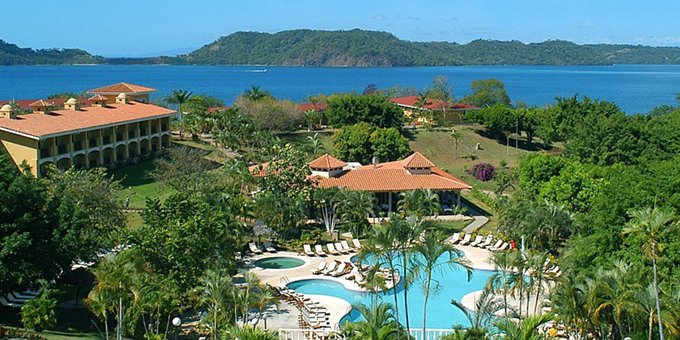 The Occidental Allegro Papagayo is a 4 star all-inclusive resort located on Playa Manzanillo along the Gulf of Papagayo.  Hotel amenities include swimming pool, restaurants, bars, volleyball courts, and internet.