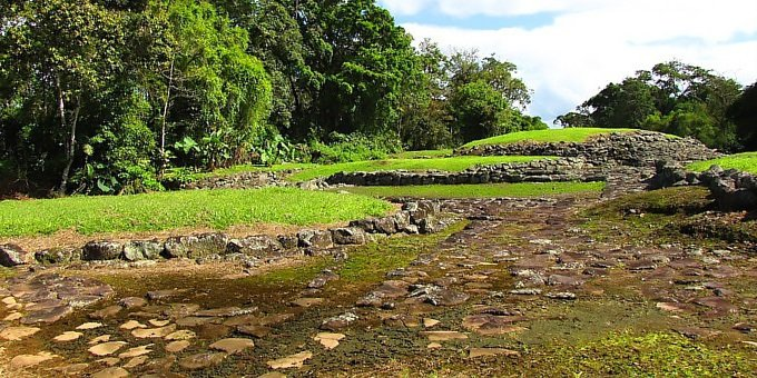 Guayabo Archeological Hike