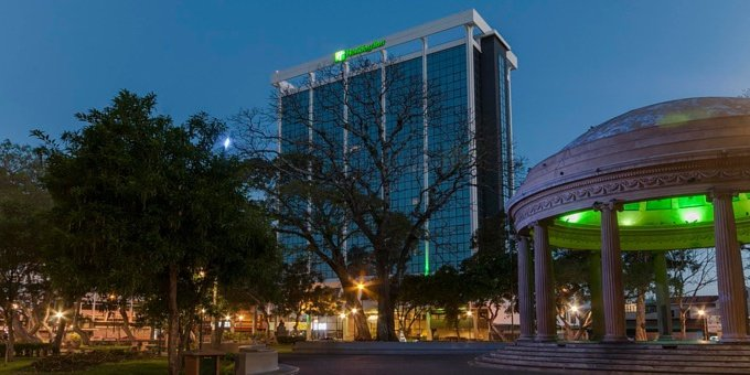 Holiday Inn San Jose Aurola is a 4 star hotel located in downtown San Jose.  Hotel amenities include business center, internet, fitness center, spa facilities, indoor heated swimming pool, two restaurants and a bar.
