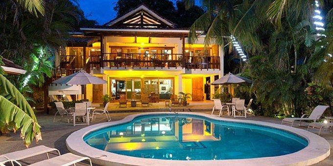 casa cook luxury beachfront estate and cabinas tamarindo costa rica hotel. Black Bedroom Furniture Sets. Home Design Ideas
