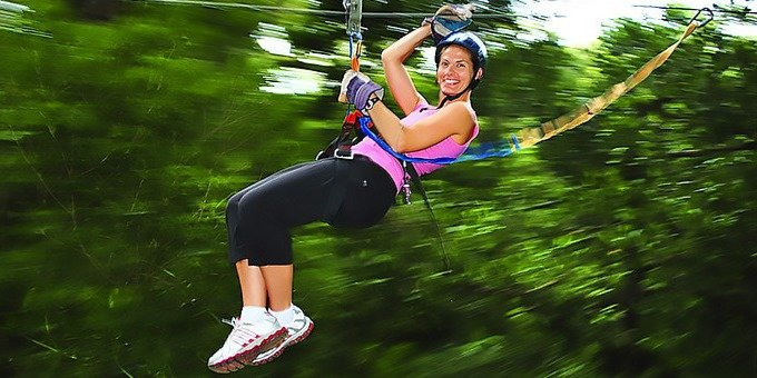 This Canopy Zipline tour is a popular tour for people of all ages. On this half-day tour you will get to experience 9 zip line cables, 2 repelling stations, 2 suspension bridges and a Tarzan swing. Your fun, bilingual guides will tell you information about the area and point out any wildlife they may see. The tour will finish off with a snack and refreshments.