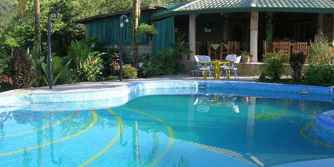 Hotel Palmeral Dorima is a comfortable hotel located in the southern zone of Costa Rica in Rio Claro. Hotel amenities include swimming pool, whirlpool, restaurant, wireless connection, laundry service and tropical gardens.