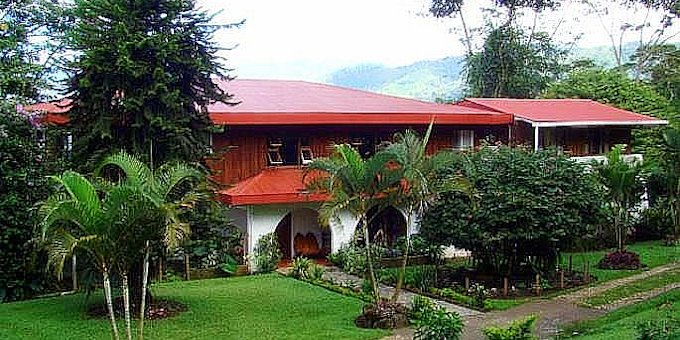 Rancho Naturalista Lodge is a Colonial style ecolodge located on the Caribbean slope in the Cordillera Talamanca. Hotel amenities includelarge dining area, internet access, walking trails and landscape gardens.