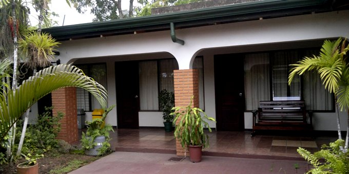 Hotel Wagelia Turrialba is a comfortable hotel located in Turrialba downtown. Hotel amenities include restaurant, bar, meeting room, laundry service, internet wireless, and private parking area.