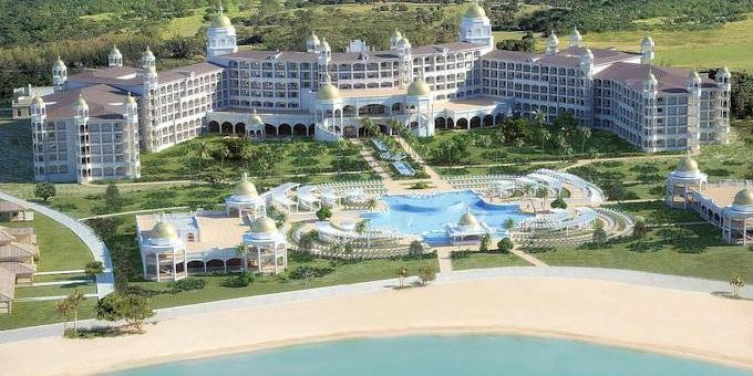 Riu Palace Resort is an all inclusive mega resort located on Playa Matapalo. Amenities include four swimming pools, one wet-bar, jacuzzi, gym, sauna and wellness center, four restaurants and a variety of racquet courts and equipment.