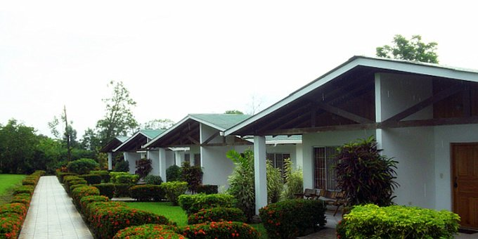 Hotel Villas Vilma is a small and charming hotel located outside of La Fortuna, Costa Rica. The property is beautifully maintained with tropical gardens surrounding each villa. Hotel amenities include a swimming pool, outdoor jacuzzi, and free WiFi in public areas.