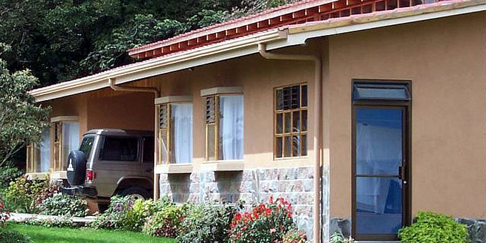 Hotel Las Orquideas is a bed and breakfast style hotel located in Monteverde. Hotel amenities include, laundry and ironing service, game room, private parking, satellite TV area, internet access, private trails, kitchen facilities, gardens and luggage storage.