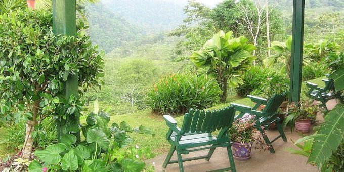 Hotel Lands in Love is a comfortable mountain hotel and adventure center located in the San Lorenzo Cloud Forest.  Hotel amenities include swimming pool, jacuzzi, restaurant, bar, hiking trails, conference room, and internet.