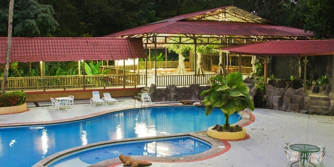Hotel El Bambu is a hotel located in the Sarapiqui region.  Hotel amenities include swimming pool, restaurant, and internet.