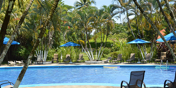 Villas Rio Mar is a 3 star bungalow style resort located in the jungles of Dominical.  Some of Costa Rica's most beautiful deserted beaches are located within  minutes of this property.  Hotel amenities include swimming pool, jacuzzi, restaurant, bar, spa, tennis courts, and internet.