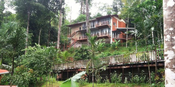 Mar y Selva Ecolodge is a bungalow style eco-lodge located in the jungle just south of Uvita.  Some of Costa Rica's most beautiful deserted beaches are located within  minutes of this property.  Hotel amenities include swimming pool, restaurant, nature trails, and internet.