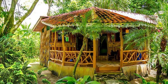La Costa de Papito is one of the most affordable lodges in the Southern Caribbean.