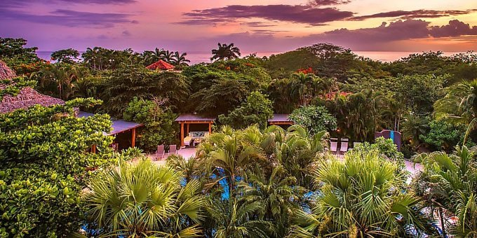 Cala Luna Hotel is one of the best boutique hotels not only in Tamarindo but also in Guanacaste.