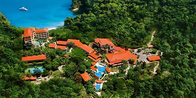 The Parador Hotel is Manuel Antonio's largest resort, but don't let that fool you! Parador specializes in a boutique hotel experience with outstanding service.