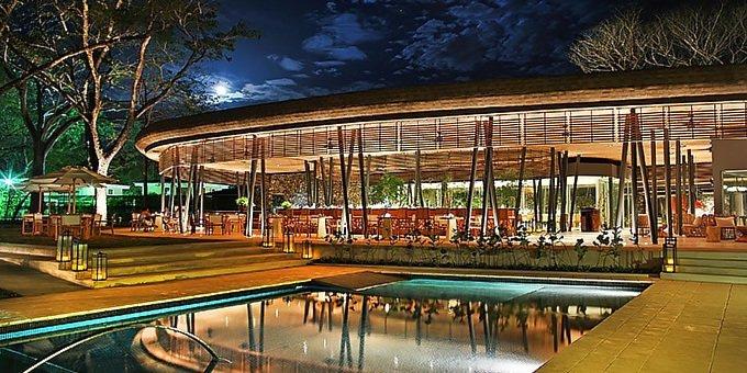 El Mangroove Hotel Restaurant and Pool