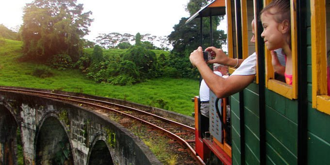 Prepare for a fun and entertaining visit when you come to Los Heroes. Here you can enjoy a train ride through the winding hills and relish lunch or dinner at a revolving restaurant.
