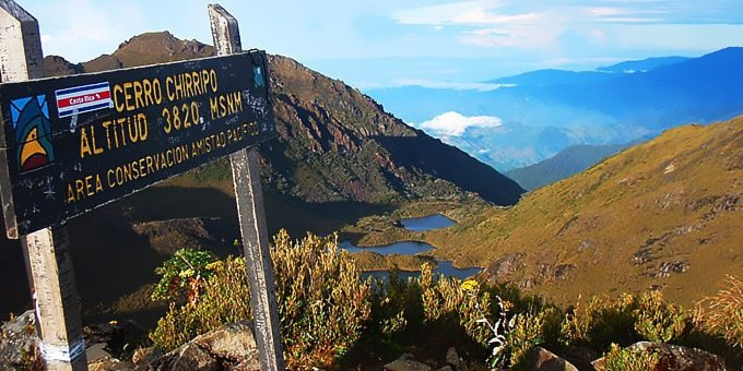 San Gerado de Rivas is the best place for staging the climb into Chirripo National Park. Aside from the big hike, highland birdwatching is also a popular activity in this area.