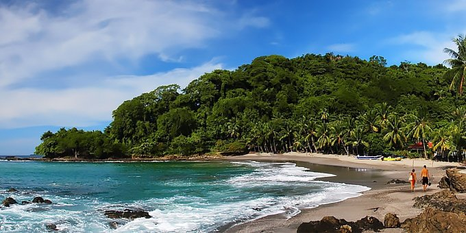April is the hottest month of the year on the Pacific side of Costa Rica and warmly welcomed by visitors coming down for Easter vacation.
