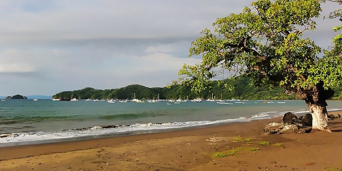 Playa del Coco is located in the Northwest Pacific, which is one of the driest climates in Costa Rica.