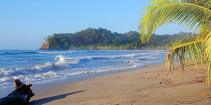 Playa Samara is located in the Northwest Pacific, which is one of the driest climates in Costa Rica.