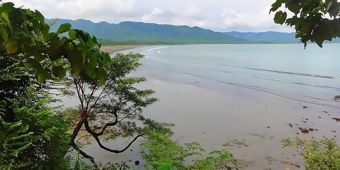Tambor is located in the Northwest Pacific, which is one of the driest climates in Costa Rica.