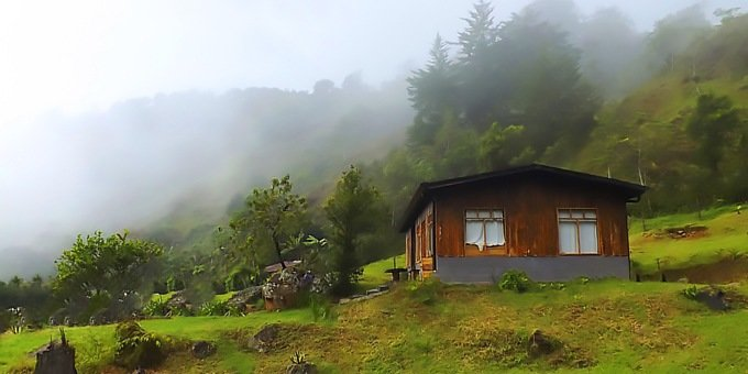 Located in the cloud forest, the weather in San Gerardo de Dota is fairly predictable.