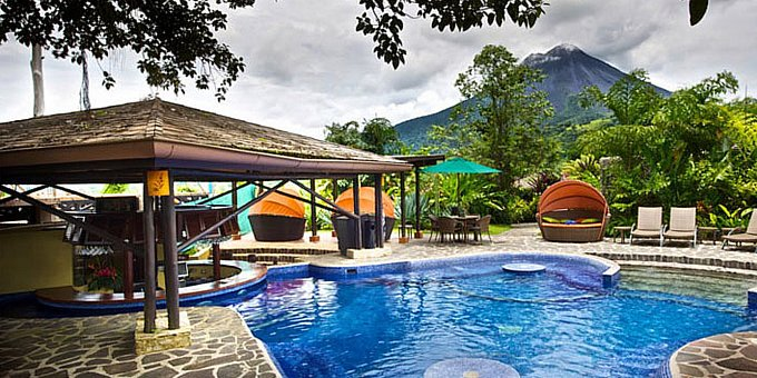There are a lot of hotels in the Arenal area, but only a handful have the right combination of comfort, quality, service and location that equate to a great overall value.