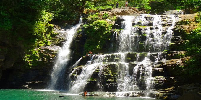 There are many beautiful waterfalls in Costa Rica.