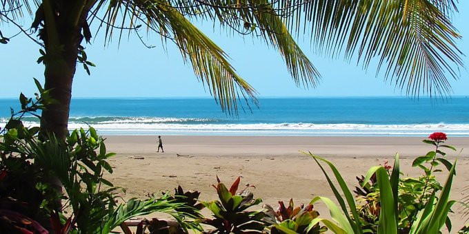 If you've come to surf, party or kick back, you've come to the right place! Playa Hermosa de Jaco has challenging surf, plenty of nightlife and dining and a hip, happy atmosphere perfect for adults and couples.